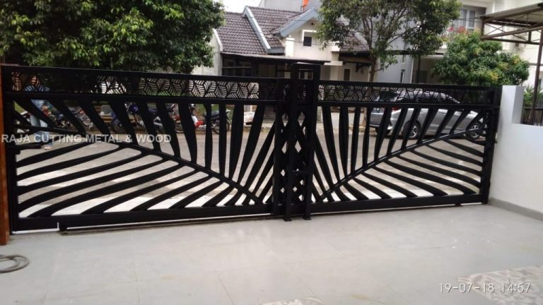 Baru tahu, ada jasa metal cutting alias bikin pagar rumah jadi cantik